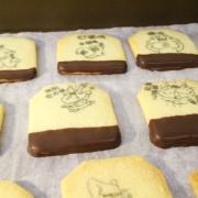 susan susan,慶生派對專用 - 茶包巧克力餅乾 ( 附贈禮盒,適合與同事朋友家人分享一起吃 ) [ 小寶貝最愛的卡通人物 - 客製化 ],