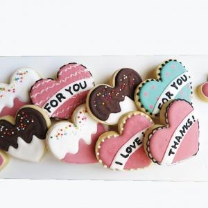 A++ handmade 翻糖蛋糕 A++ handmade 翻糖蛋糕,愛心款糖霜餅乾 ( 8入 ),