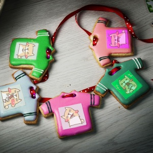 v80495277,Tandora收涎餅乾 ( 附贈禮盒 )(收涎保孩子衣食無缺) ( 12片1盒、含紅線&穿洞 )  [ designed by 柴柴斗哥 ],