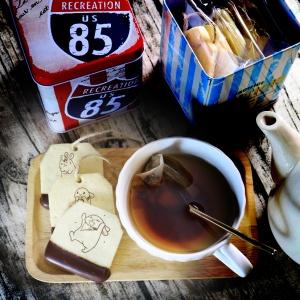 肥兔寶 Fattu,茶包巧克力餅乾 (類似小時候的小熊餅乾文青款) ( 附贈禮盒,適合與同事朋友家人分享一起吃 ) [ designed by 肥兔寶 ],