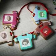 茶茶丸,Tandora收涎餅乾 ( 附贈禮盒 )(收涎保孩子衣食無缺) ( 12片1盒、含紅線&穿洞 )  [ designed by 茶茶丸 ],