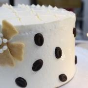 susan susan,冰淇淋裝飾水果蛋糕__可可香奈兒 (附贈燈泡與蝴蝶領結等飾品 ) (唯一可全台宅配冰淇淋蛋糕) ( 可勾不做冰淇淋、也可做冰淇淋),
