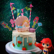 susan susan, 情境蛋糕__美人魚海底世界 ( 附贈美人魚公仔、海底世界拉旗、小魚餅乾、貝殼馬卡龍   裝飾造型不定期調整, 但主題與數量都會一致請放心。部分蛋糕依照您勾選的附件贈品種類與數量不同,材積與蛋糕造型會有增加或者變動,因此蛋糕售價會跟著浮動) (唯一可全台宅配 情境蛋糕) ( 可勾不做冰淇淋、也可做冰淇淋,此奶醬是獨家研發的天然配方,熬煮多小時製作而成的,優點是低糖、好吃健康、且宅配不容易壞損融化!  吃的時候記得照包裝上「食用說明」吃,冷凍保存、退冰約5~10分鐘,退太久一般會融化,雖然Susan老師的不會輕易融化但也會失去冰淇淋口感,要注意喔!(回放冷凍1HR即可又恢復冰淇淋口感)(裝飾品為贈品不得轉售)),