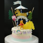 susan susan,這不是翻糖因翻糖不好吃__維尼小熊的森林樂園  ( 附上蜂蜜造型巧克力、旋轉木馬插件、派對拉旗、氣球插件、森林插件、維尼小熊、立體彩虹 造型不定期調整*。.) (唯一可宅配冰淇淋蛋糕#,也可不做冰淇淋 )...  ....(裝飾品為贈品不得轉售..平均哈根達斯蛋糕熱量的1/5台灣蛋糕的1/4)),