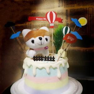 susan susan,冰淇淋裝飾水果蛋糕___哈士奇小屋 ( 哈士奇、熱氣球插件、小屋、柵欄,裝飾造型不定期調整, 但主題與數量都會一致請放心。部分蛋糕依照您勾選的附件贈品種類與數量不同,材積與蛋糕造型會有增加或者變動,因此蛋糕售價會跟著浮動) (唯一可全台宅配冰淇淋蛋糕) ( 可勾不做冰淇淋、也可做冰淇淋,此奶醬是獨家研發的天然配方,熬煮多小時製作而成的,優點是低糖、好吃健康、且宅配不容易壞損融化!  吃的時候記得照包裝上「食用說明」吃,冷凍保存、退冰約5~10分鐘,退太久一般會融化,雖然Susan老師的不會輕易融化但也會失去冰淇淋口感,要注意喔! (回放冷凍1HR即可又恢復冰淇淋口感)(裝飾品為贈品不得轉售)),