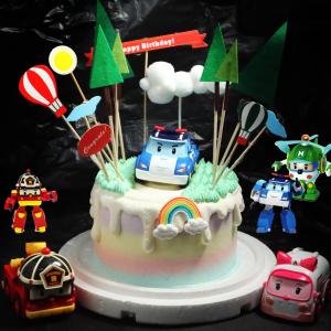 susan susan, 情境蛋糕___戶外道路救援 ( 附上英雄(可選贈變身or不會變身的版本)、戶外樹木、白雲、熱氣球插旗,裝飾造型不定期調整, 但主題與數量都會一致請放心。部分蛋糕依照您勾選的附件贈品種類與數量不同,材積與蛋糕造型會有增加或者變動,因此蛋糕售價會跟著浮動) (唯一可全台宅配 情境蛋糕) ( 可勾不做冰淇淋、也可做冰淇淋,此奶醬是獨家研發的天然配方,熬煮多小時製作而成的,優點是低糖、好吃健康、且宅配不容易壞損融化!  吃的時候記得照包裝上「食用說明」吃,冷凍保存、退冰約5~10分鐘,退太久一般會融化,雖然Susan老師的不會輕易融化但也會失去冰淇淋口感,要注意喔!POLI 波力救援小英雄 的歌曲超洗腦 (回放冷凍1HR即可又恢復冰淇淋口感)(裝飾品為贈品不得轉售)),