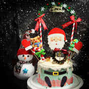 susan susan,冰淇淋千層蛋糕___聖誕老公公的身體變蛋糕 ( 附上聖誕老公公插件、耶誕裝飾與糖果,造型不定期調整*。.) (唯一可宅配冰淇淋蛋糕#,也可不做冰淇淋 )...  ... .(裝飾品為贈品不得轉售..平均哈根達斯蛋糕熱量的1/5台灣蛋糕的1/4)),