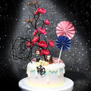 susan susan,情境蛋糕___鬼滅之刃 ( 附上竈門炭治郎 or 竈門禰豆子 or 兩者、血紅之花、日輪、和風插件、生日插件,裝飾造型不定期調整, 但主題與數量都會一致請放心。部分蛋糕依照您勾選的附件贈品種類與數量不同,材積與蛋糕造型會有增加或者變動,因此蛋糕售價會跟著浮動) (唯一可全台宅配 情境蛋糕) ( 可勾不做冰淇淋、也可做冰淇淋,此奶醬是獨家研發的天然配方,熬煮多小時製作而成的,優點是低糖、好吃健康、且宅配不容易壞損融化!  吃的時候記得照包裝上「食用說明」吃,冷凍保存、退冰約5~10分鐘,退太久一般會融化,雖然Susan老師的不會輕易融化但也會失去冰淇淋口感,要注意喔! (回放冷凍1HR即可又恢復冰淇淋口感)(裝飾品為贈品不得轉售)),