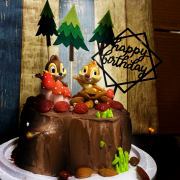 susan susan,奇奇蒂蒂__草莓 x 金莎榛果樹木 冰淇淋蛋糕  ( 可以勾不要巧克力換彩虹蛋糕體,附上奇奇蒂蒂、松鼠食物、蘑菇、森林、生日插件 ) ( 可勾不做巧克力、也可做巧克力以榛果巧克力為主軸)( 可勾不要抹茶、也可勾要抹茶風味 )( 可勾不要冰淇淋、也可勾要冰淇淋口感 ) (可全台宅配),