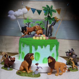 susan susan,這不是翻糖因翻糖不好吃__獅子王的寓言 ( 附上森林果實、獅子王各個角色、叢林、雲朵、派對拉旗, 造型不定期調整*。.) (唯一可宅配冰淇淋蛋糕#,也可不做冰淇淋 )...  ....(裝飾品為贈品不得轉售..平均哈根達斯蛋糕熱量的1/5台灣蛋糕的1/4)),