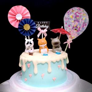 susan susan,冰淇淋千層蛋糕__苦惱小喵 ( 附上隨機造型苦惱小喵3隻、日本風傘、和風插件、生日快樂插件、大氣球插件,造型不定期調整*。.) (唯一可宅配冰淇淋蛋糕#,也可不做冰淇淋 )...  ....(裝飾品為贈品不得轉售..平均哈根達斯蛋糕熱量的1/5台灣蛋糕的1/4)),