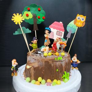 白雪公主, 小矮人 , 與手工甜點對話的SUSAN, dessert365, 漫漫手工甜點市集, 幼稚園慶生, 冰淇淋蛋糕, 法式甜點, 卡通蛋糕, 彩虹蛋糕, 寶寶蛋糕, 公主蛋糕, 生日蛋糕, 手工甜點, 宅配蛋糕, 週歲蛋糕, 母親節蛋糕, 父親節蛋糕, susan冰淇淋蛋糕評價, 彌月蛋糕, 慕斯蛋糕
