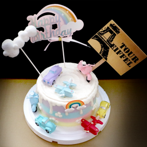 susan susan,冰淇淋千層蛋糕__復古大集合  ( 附上可愛復古風交通工具、雲朵、彩虹、立牌  造型不定期調整*。.) (唯一可宅配冰淇淋蛋糕#,也可不做冰淇淋 )...  ....(裝飾品為贈品不得轉售..平均哈根達斯蛋糕熱量的1/5台灣蛋糕的1/4),