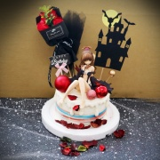 susan susan,這不是翻糖因翻糖不好吃__我是你的小惡魔 ( 附上出包王女、惡魔城、花束、生日快樂插件,造型不定期調整*。.) (唯一可宅配冰淇淋蛋糕#,也可不做冰淇淋 )...  ....(裝飾品為贈品不得轉售..平均哈根達斯蛋糕熱量的1/5台灣蛋糕的1/4)),