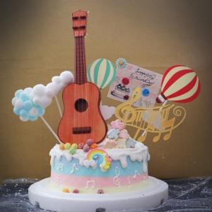 吉他, 與手工甜點對話的SUSAN, dessert365, 漫漫手工甜點市集, 幼稚園慶生, 冰淇淋蛋糕, 法式甜點, 卡通蛋糕, 彩虹蛋糕, 寶寶蛋糕, 公主蛋糕, 生日蛋糕, 手工甜點, 宅配蛋糕, 週歲蛋糕, 母親節蛋糕, 父親節蛋糕, susan冰淇淋蛋糕評價, 彌月蛋糕, 慕斯蛋糕