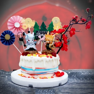 susan susan,這不是翻糖因翻糖不好吃__皮卡丘無限月讀之戰 ( 附上火影忍者皮卡丘x2、血之樹、森林、煙花、和風插件,造型不定期調整*。.) (唯一可宅配冰淇淋蛋糕#,也可不做冰淇淋 )...  ....(裝飾品為贈品不得轉售..平均哈根達斯蛋糕熱量的1/5台灣蛋糕的1/4)),