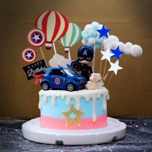 susan susan,冰淇淋千層蛋糕__美國隊長車車 ( 附上美國隊長、專屬插旗、熱氣球、夢幻球、白雲、生日快樂   造型不定期調整*。.) (唯一可宅配冰淇淋蛋糕#,也可不做冰淇淋 )...  ....(裝飾品為贈品不得轉售..平均哈根達斯蛋糕熱量的1/5台灣蛋糕的1/4)),