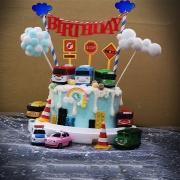 susan susan,全台唯一可宅配_冰淇淋千層蛋糕__TAYO大友巴士家族  ( 附上大友巴士、建築號誌、雲朵拉旗、夢幻球、雲朵拉旗、彩虹, 造型不定期調整*。.) (##也可不做冰淇淋 )...  ...我愛TAYO的歌曲 .(裝飾品為贈品不得轉售..平均哈根達斯蛋糕熱量的1/5台灣蛋糕的1/4))防疫期間,尤其雙北桃園新竹,下單表示同意可能延誤,台灣加油!,