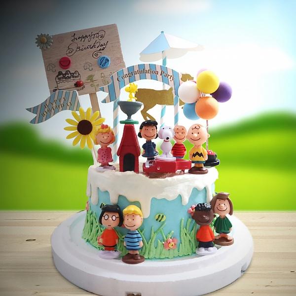 susan susan,全台唯一可宅配_冰淇淋千層蛋糕__我們是好朋友 ( 附上史努比、史努比與小雞的窩、史努比一群人、可愛家居立牌、雲朵、立體彩色氣球、向日葵、旋轉木馬生日插件,   造型不定期調整*。.) (##也可不做冰淇淋 )...  ....(裝飾品為贈品不得轉售..平均哈根達斯蛋糕熱量的1/5台灣蛋糕的1/4))防疫期間,尤其雙北桃園新竹,下單表示同意可能延誤,台灣加油!,